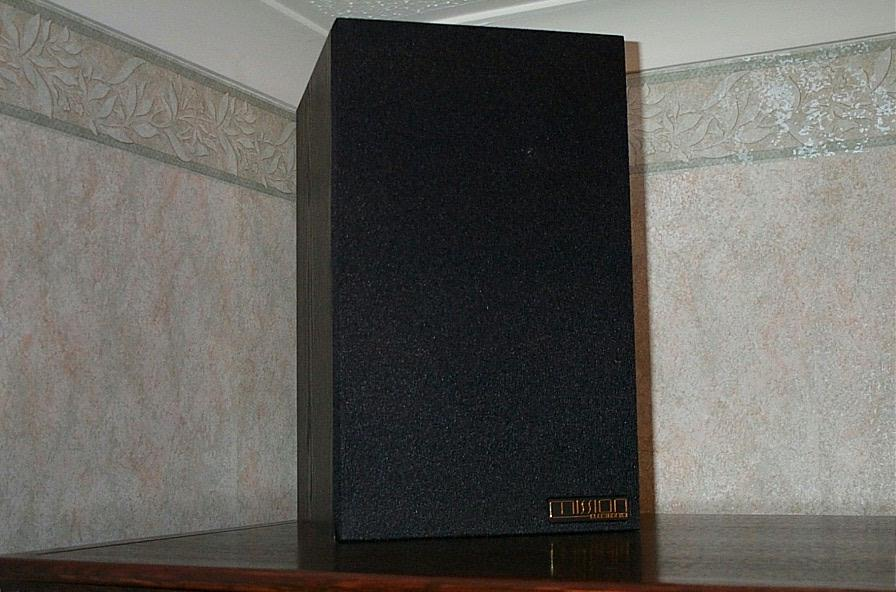 A Hi-Fi speaker positioned on top of a wall unit